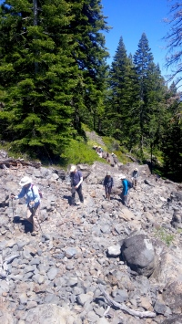 TwinCragsHike_group hiking up